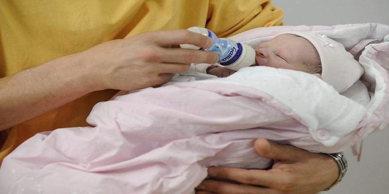 Chine: Un bébé naît 4 ans après la mort de ses parents