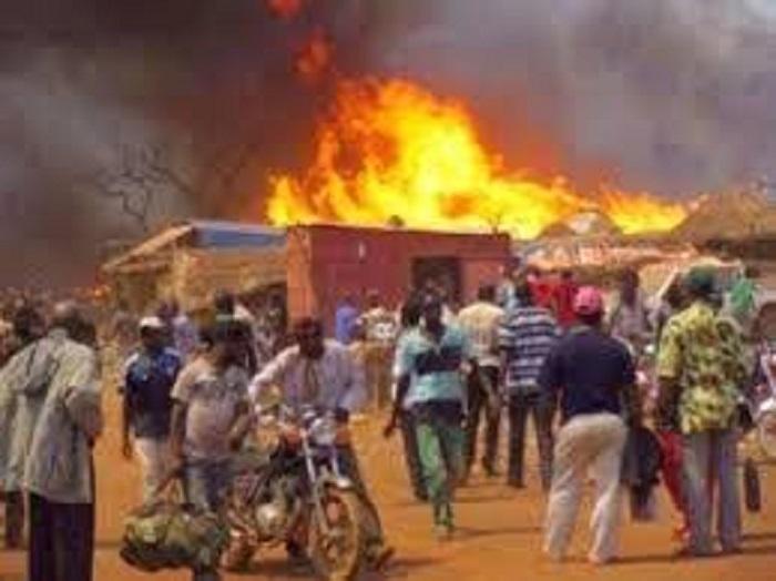 Burkina Faso : Un homme tue et brûle son épouse et son enfant.
