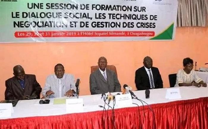 Burkina Faso : Christophe Dabiré ;  «Les gens ne savent pas ce que c'est (que le dialogue social). Ils vivent sur des préjugés et ce sont les préjugés qui gangrènent et qui bloquent la situation».
