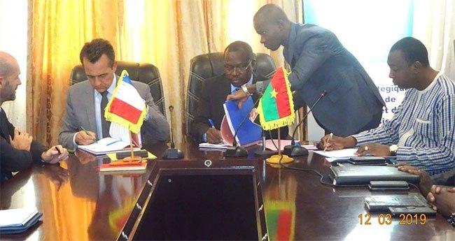 Burkina Faso : Projet « dorsale nord » ; signature de trois conventions de financement d'environ 38 milliards de F CFA